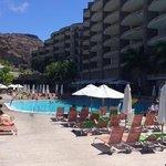 Der Poolbereich - bis mittags im Schatten!