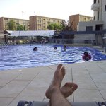 Buena piscina para relajarse por las tardes después del trabajo ;)