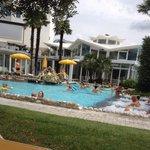 La bella zona piscine con acquagim