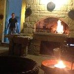 Nel patio con forno a legna