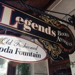 Foto de Legends Books, Antiques & Old Fashioned Soda Fountain