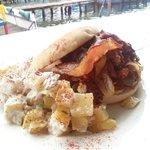 teriyaki sandwish de  la buguita buenisimo con pollo