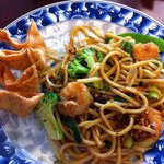 Shrimp lo main with vegetables and cheese wontons