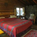 King size bed in Blue Jay cabin