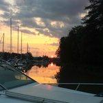 Solnedgång i gästhamnen