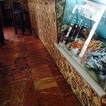 La vitrina de marisco y pescado fresco