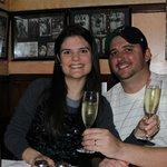 Eu e meu marido. Cheers!!