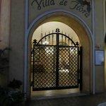 Entrance to Villa de Flora before morning opening