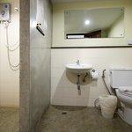 Bathroom of the Deluxe room