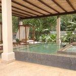 Outdoor pool and jacuzzi at the Spa! Pura Vida!