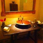 Modern bathroom (super clean)