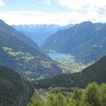 Aussicht von der Bernina-Strecke nach Le Prese (beim See)