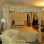 Longmeadow Suite