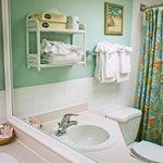 Motel Eff. Room Bathroom