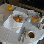 light breakfast in room