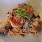 scallops with fettuccini and mushrooms