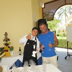 Luis, sommelier extraordinair!!!