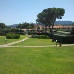 Parco fronte hotel