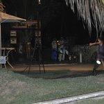 Evento noturno com capoeira