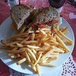 Lynda's Cafe