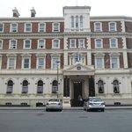 Impressive Premier Queen Hotel