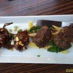 De verrukkelijke varkenswangetjes  En zeer malse biefstukjes