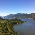 The spectacular view of the Columbia River from the grounds of the Vagabond Lodge.