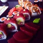 California roll, maki, sashimi