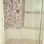 Steam Room / Shower