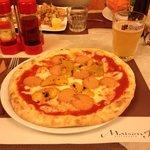 pizza viennese con peperoni