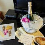 Nice welcome surprise (honeymoon)