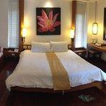 Garden villa bedroom - excellent