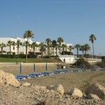 Вид на отель Евалена с моря