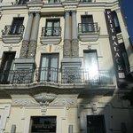 Façace de l'hôtel Canaléjas - fait l'angle de deux rues