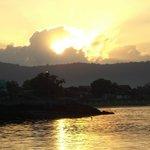 Nascer do sol, vista da Ponta do Morretes, Guaraqueçaba