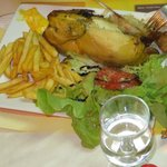 Poulet (roast half-chicken), comes with salade & frites
