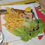 Saumon (salmon), comes with salade & frites