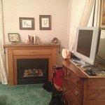 Queen river room - fireplace