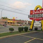 Delux Hamburgers