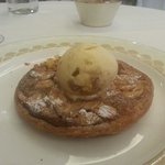 Dessert : Hot Pudding Cake with Ice Cream