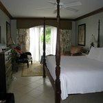Emerald Honeymoon Ocean Front room