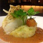 Confit cod with tomato soup / Bacalao confitado con sopa de tomate