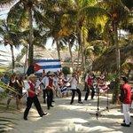Dia fiesta Cubana