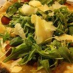 Pizza carpaccio molto buona