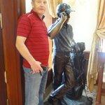 Golf sculpture