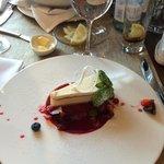 Cheesecake with rasberries