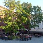 Уютная летняя терраса ресторана отеля