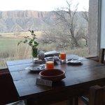 El comedor con vista a los cerros