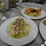 Tuna & leeks with black sea salt, artichoke hearts & sweet peppers