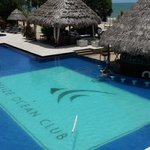 Pool w/Swim Up Bar
